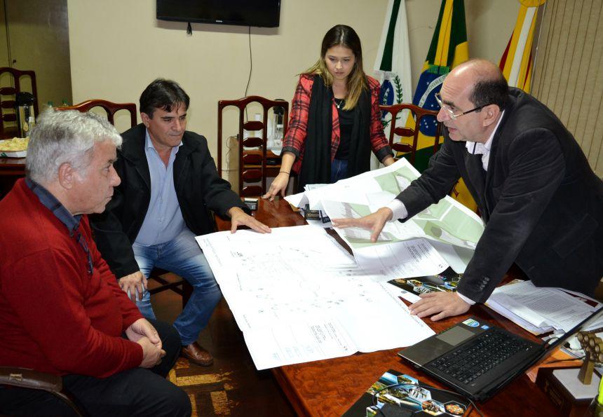 SANTA MARIANA RECEBE PRESIDENTE DA PARANÁ TURISMO