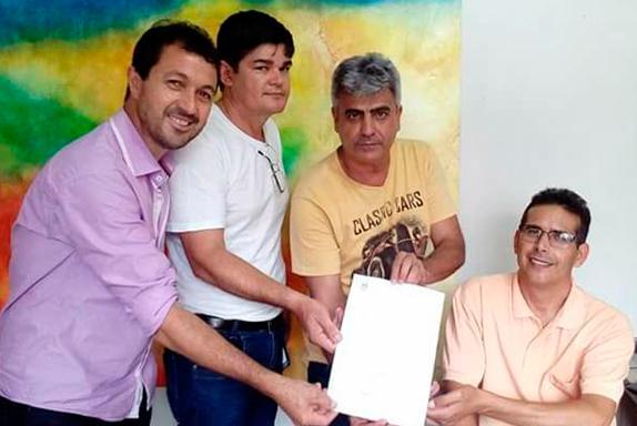 Vereadores com o Secretário de Educação José Torres