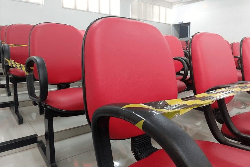 COVID-19: Com restrições, sessões ordinárias voltam a ser abertas ao público.