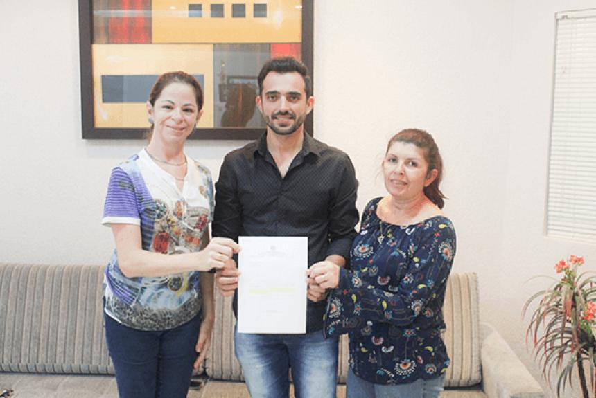Deputado Osmar Bertoldi atende solicitação e anuncia verba para aquisição de Castramóvel