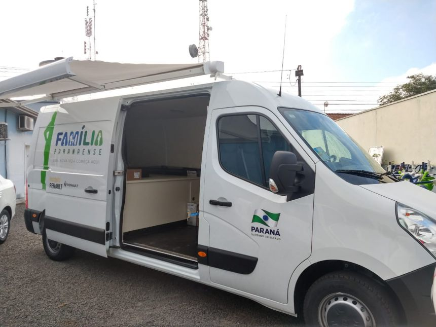 Imbituva recebe van para auxiliar na execução do Programa Família Paranaense