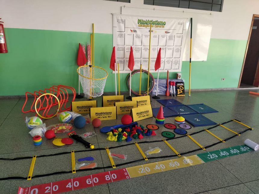 Secretaria  Municipal de Educação e Cultura adquire materiais esportivos