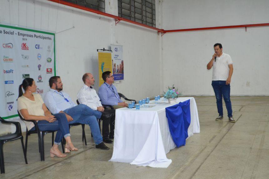 Entrega de certificados de cursos profissionalizantes reúne mais de 200 pessoas no Pavilhão Francisco Barros
