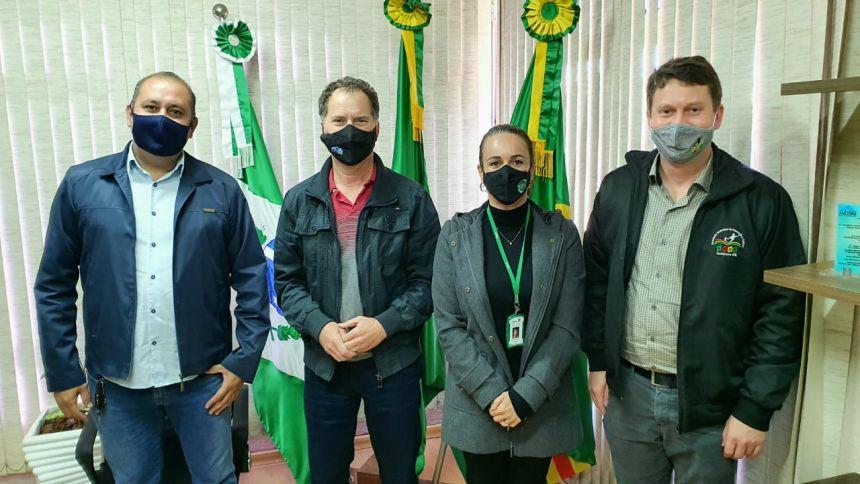 Reunião com a chefe do NRE de Ponta Grossa