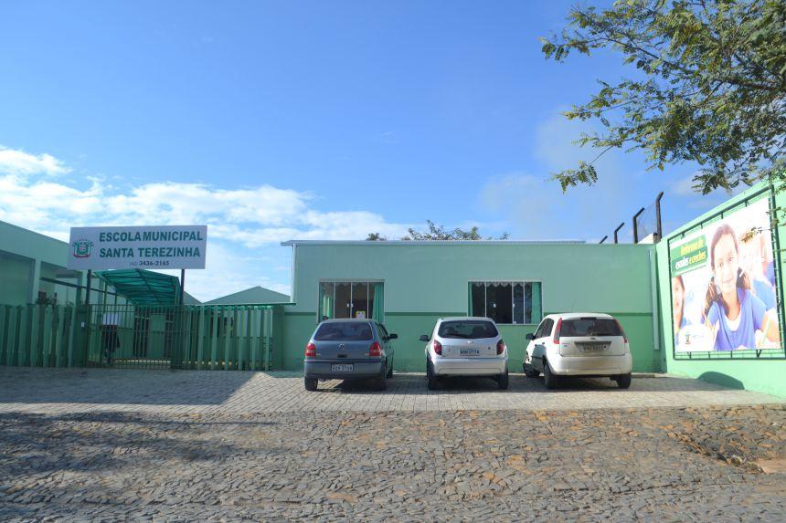 O prefeito Bertoldo Rover esteve no ultimo sábado dia 25 de junho reinaugurando a escola municipal Santa Terezinha.