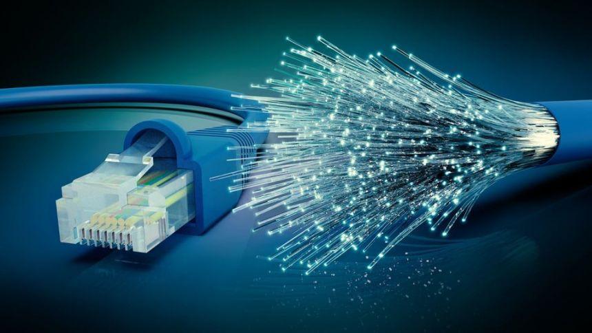 A internet via fibra chegou na Escola Municipal do Barro Preto.