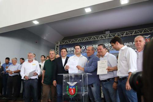Bertoldo participa de solenidade do Executivo Estadual em Ponta Grossa