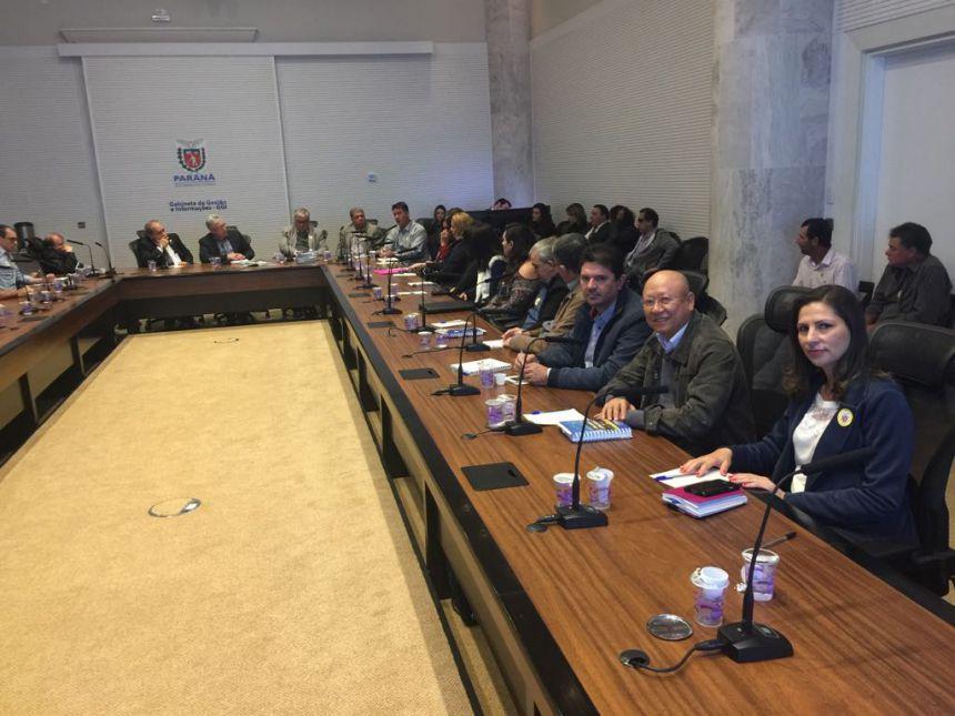 Prefeito e secretários em Curitiba