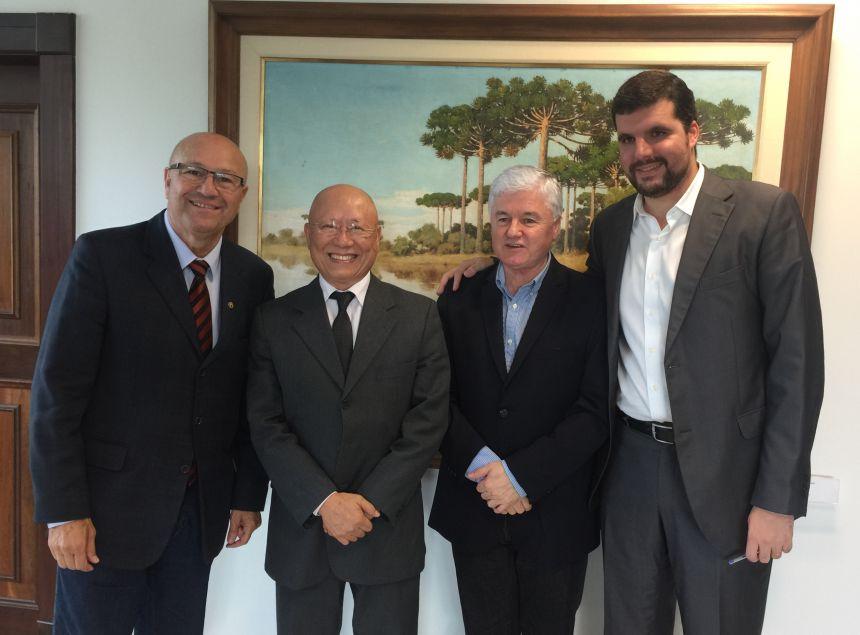 Visita do Prefeito a Curitiba garante recursos para o Município