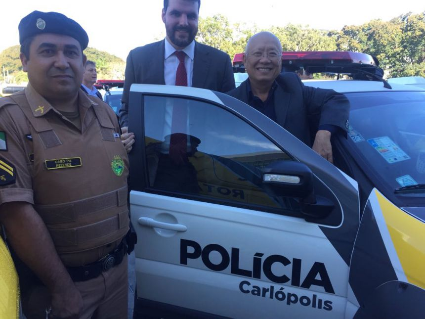 Governo disponibiliza duas viaturas para as polícias de Carlópolis