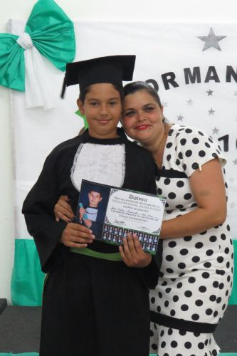 "FORMATURA DO ESCOLA MUNICIPAL ""HELENA KOLODY"""