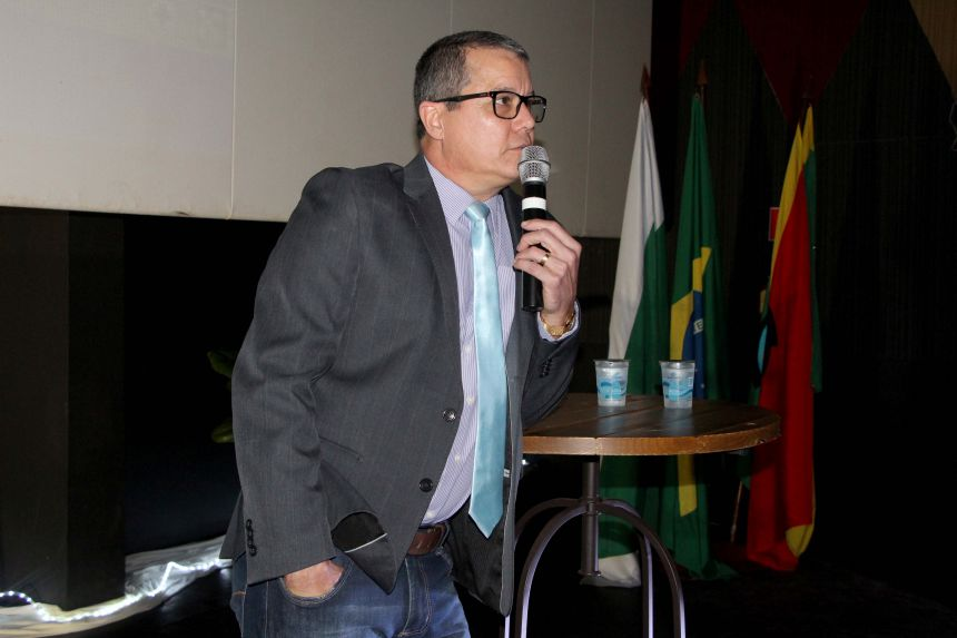 """Prefeitura de Ivaiporã realiza II Seminário Intermunicipal de Educação e aborda """"Educação Humanizadora"""""""