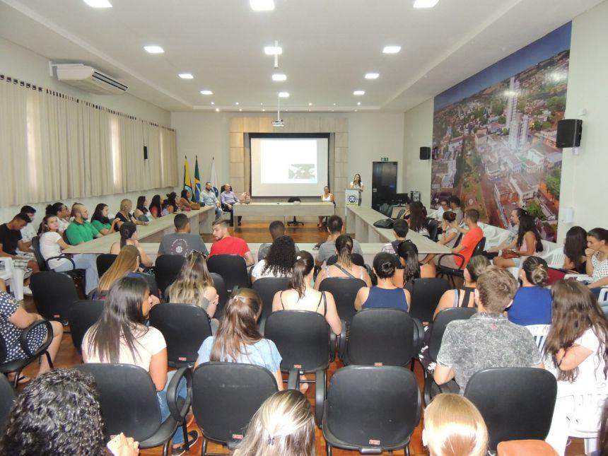 Prefeitura de Ivaiporã promove palestra motivacional para estagiários