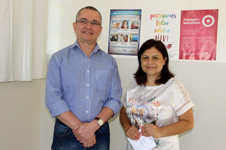 Claudeney Martins e Nilza Fernandes informam que os pais ou responsáveis devem levar a Carteira de Vacinação e Cartão SUS