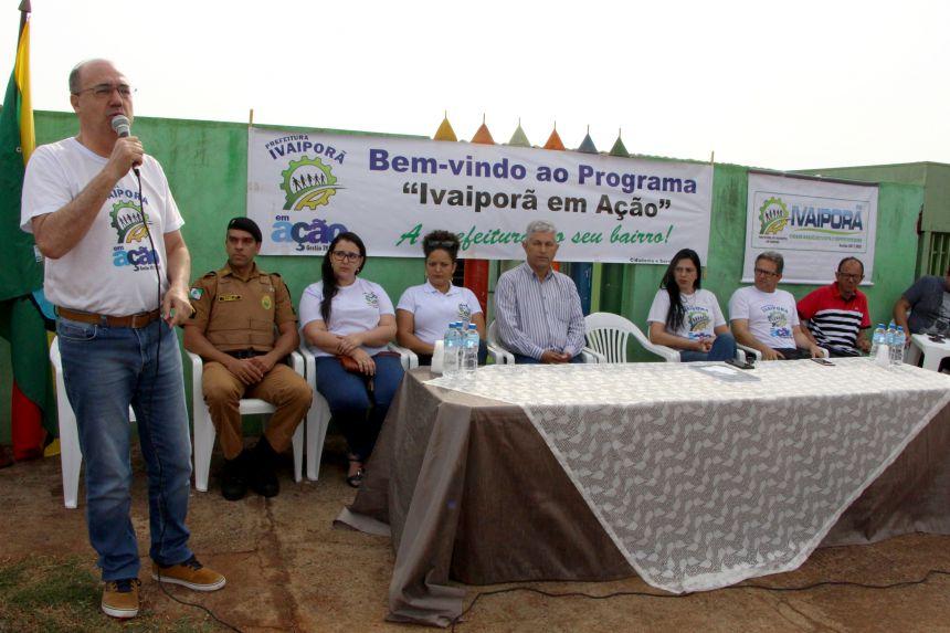 Prefeito Miguel Amaral fala sobre serviços público com servidores e população