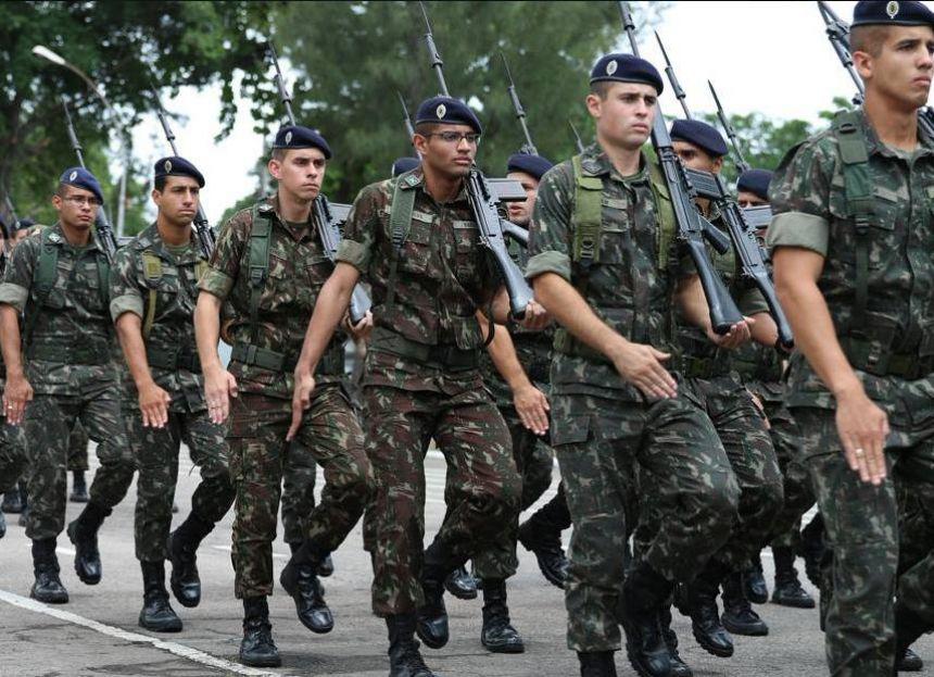 Após o alistamento online os jovens devem comparecer à Junta do Serviço Militar e recolher as taxas