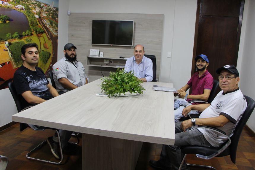 Prefeitura de Ivaiporã apoia 2º Encontro Anual de Carros Antigos e 2º Festival Cultural e Gastronômico de Food Trucks