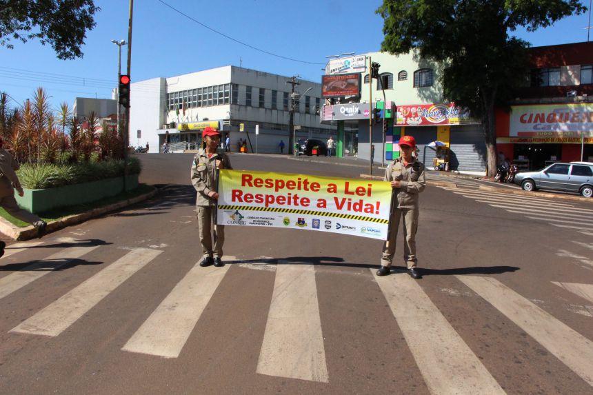 Conseg realiza campanha educativa no trânsito com apoio da Prefeitura de Ivaiporã