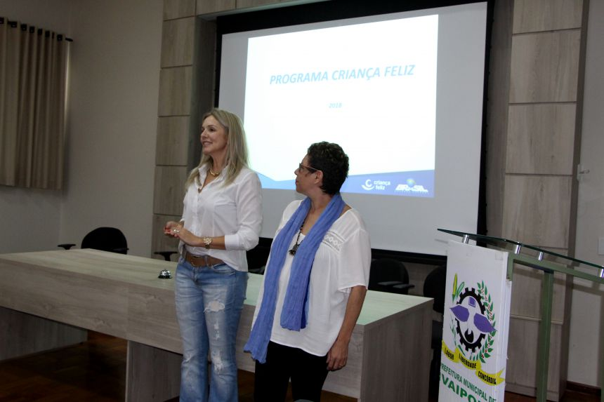 Gertrudes Bernardy dá boas-vindas à consultora Márcia Lazzari