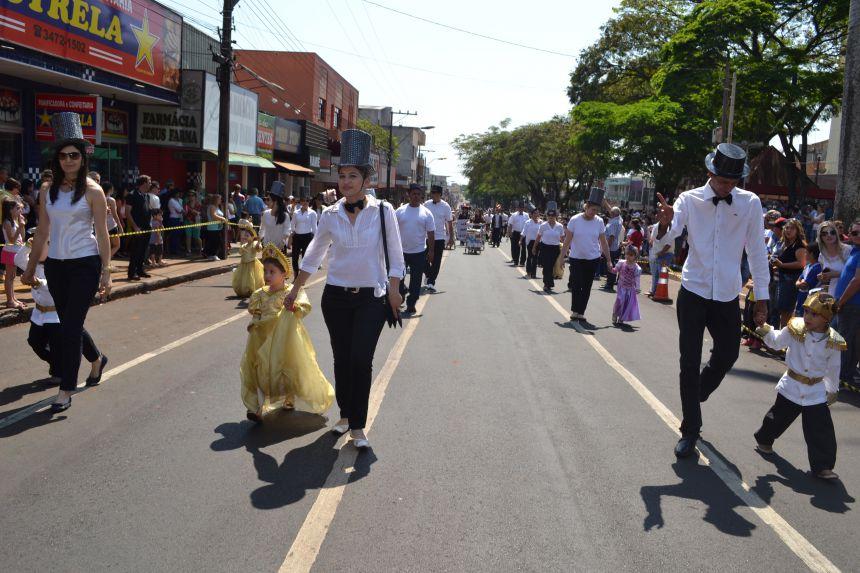 Prefeito de Ivaiporã convida empresas, associações civis e religiosas para participar do Desfile Cívico