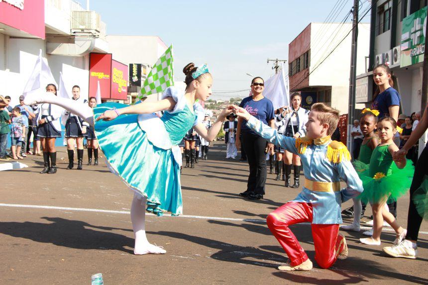 50 entidades integram Desfile Cívico em Ivaiporã