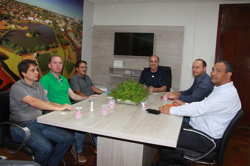 Empresários são recebidos na Prefeitura, onde explicam intenção de investir no município