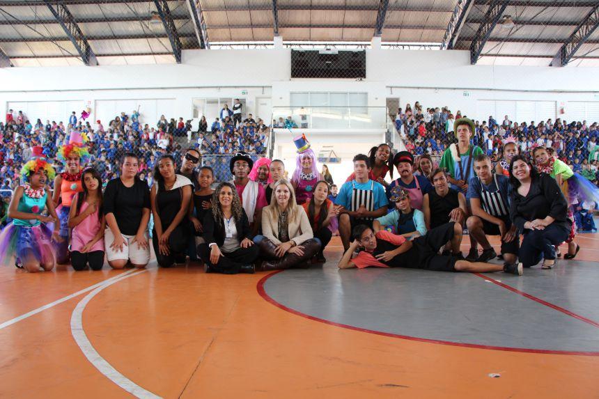 Equipe organizadora prepara grande espetáculo no Ginásio de Sesc