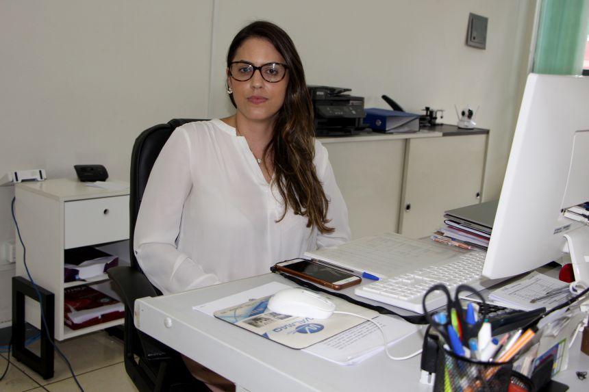 Titular do Cartório de Registro Civil das Pessoas Naturais, Amélia Barcelos