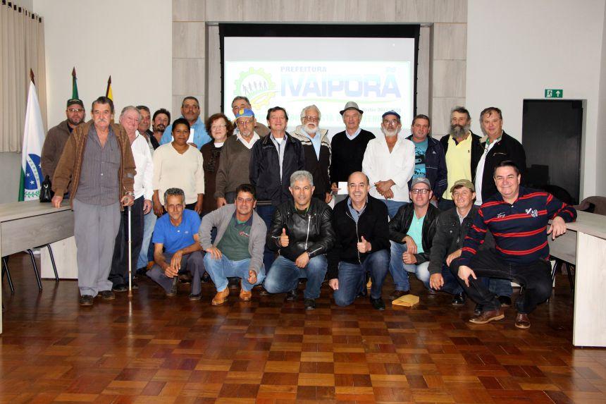 Prefeito Miguel Amaral incentiva produtores a revitalizar nascentes nas propriedades onde residem