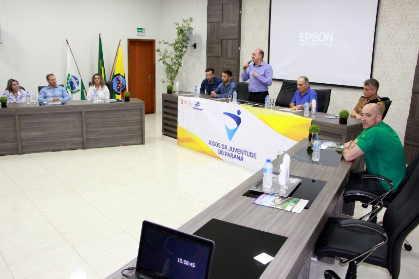Membros da mesa de honra durante Congresso Técnico do 30º Jogos da Juventude