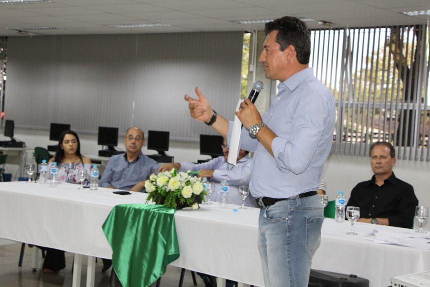 Deputado federal Sérgio Souza ministra Aula Magna do curso de Agronomia