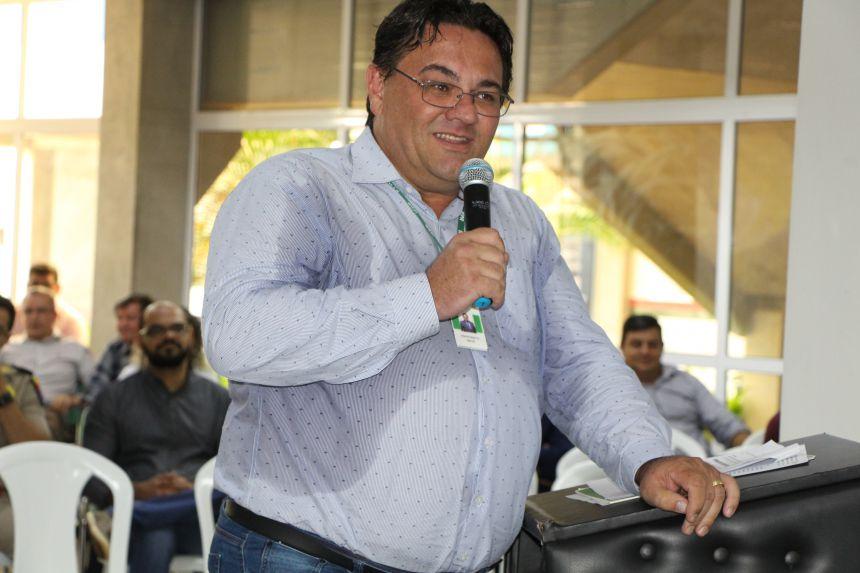 Reitor do IFPR, Odacir Zanatta, agradece ao deputado federal Sérgio Souza, ex-prefeito Carlos Gil e ao prefeito Miguel Amaral pelo apoio dado na implantação do curso de Agronomia