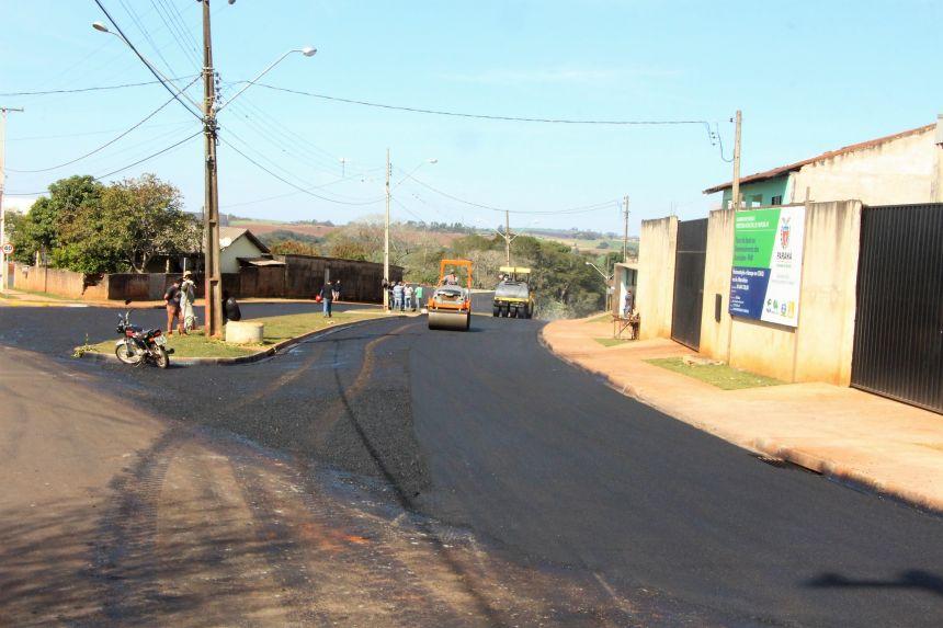 A obra é executada próxima à Vila Nova Porã