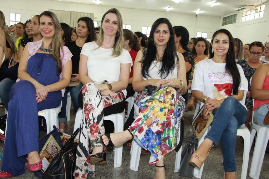 Parte da equipe da Prefeitura de Ivaipor�: Daniele Melo, Gisele Martins, Carine Silva e Jana�na Barbosa
