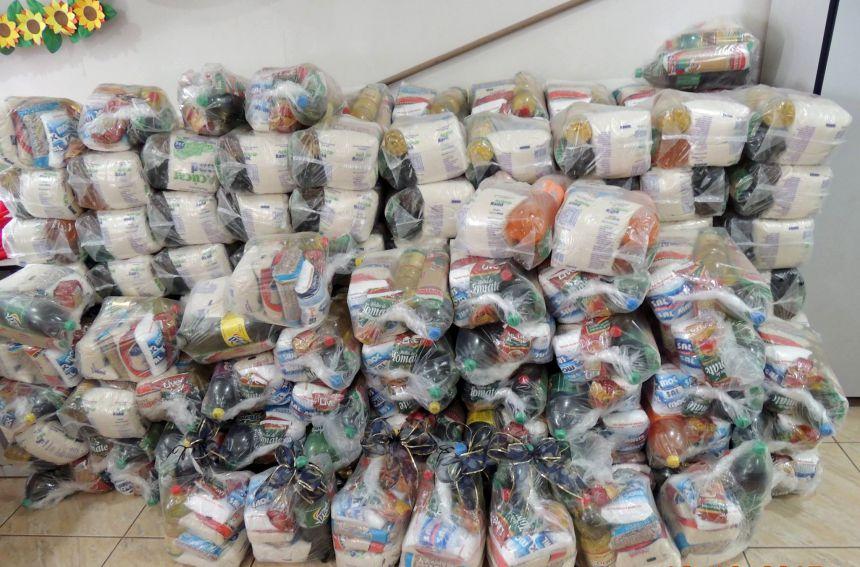 Crianças que frequentam projetos sociais recebem cesta básica da Prefeitura de Ivaiporã