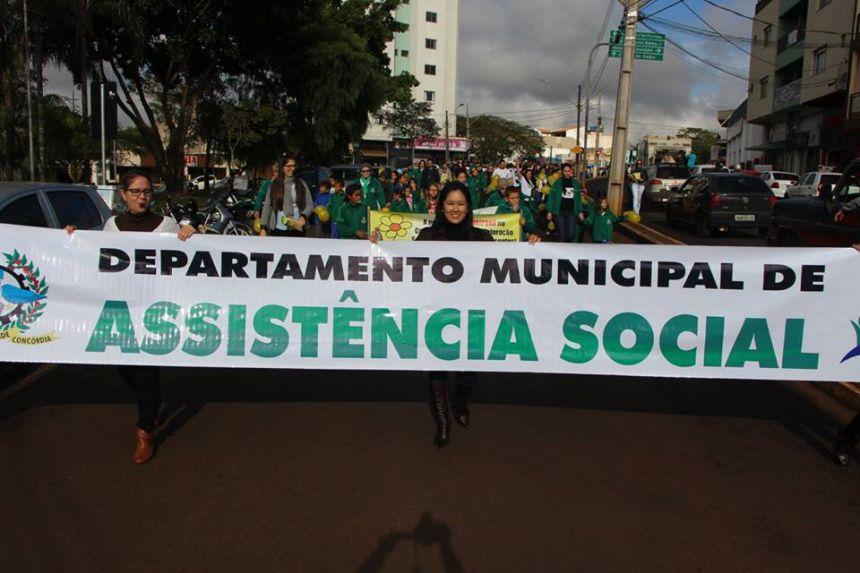 Passeata Assistência Social.
