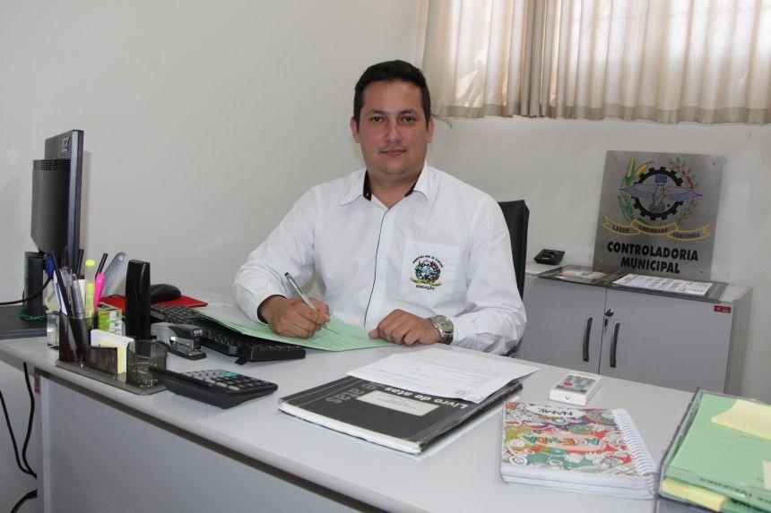 Controlador-geral da Prefeitura de Ivaiporã, Renan Bittencourt