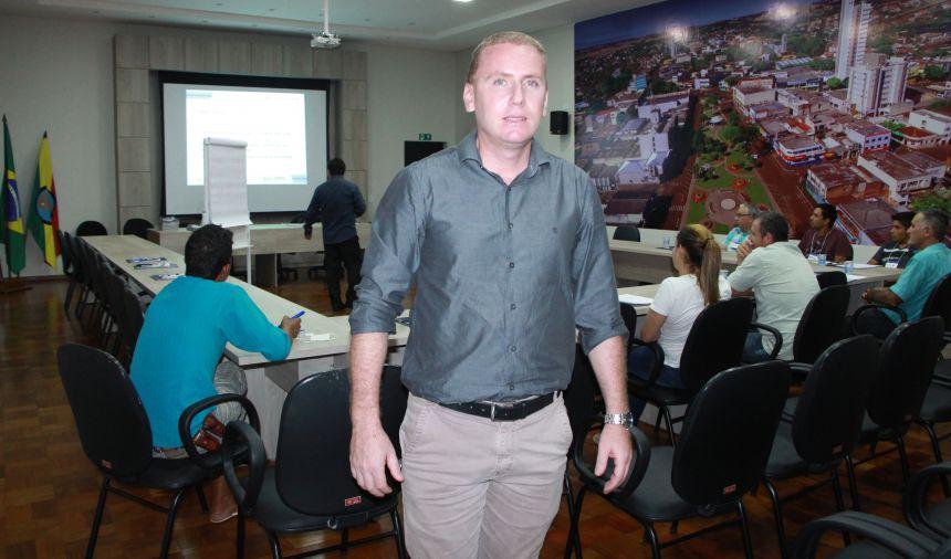 Marcus Wielewski é diretor do Departamento Municipal de Indústria, Comércio, Serviços e Turismo de Ivaiporã