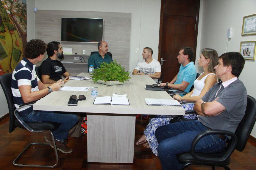 Miguel Amaral mostra-se receptivos aos projetos apresentados pelo diretor do Campus da UEM