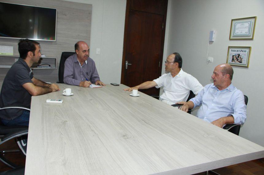 Nando Dorta, Miguel Amaral, Seizi Kawano e Celso Celestino durante visita