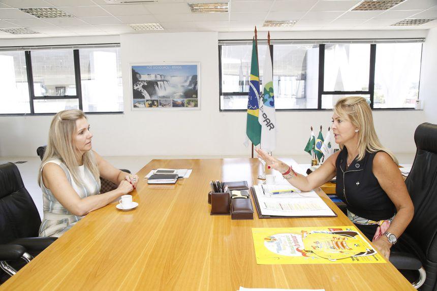 Fernanda Richa recebe Gertrudes Bernardy e conversa sobre programas sociais para Ivaiporã