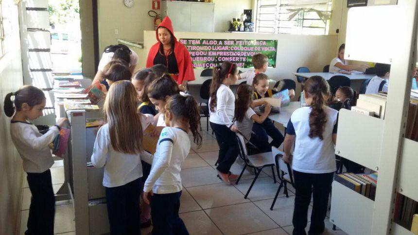 Departamento de Cultura de Ivaiporã inicia Semana da Contação de História na Biblioteca Cidadã
