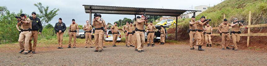 Polícia Militar treina com Fuzis 556 comprados pelos Consegs de Ivaiporã, Lidianópolis, Borrazópolis e Faxinal.