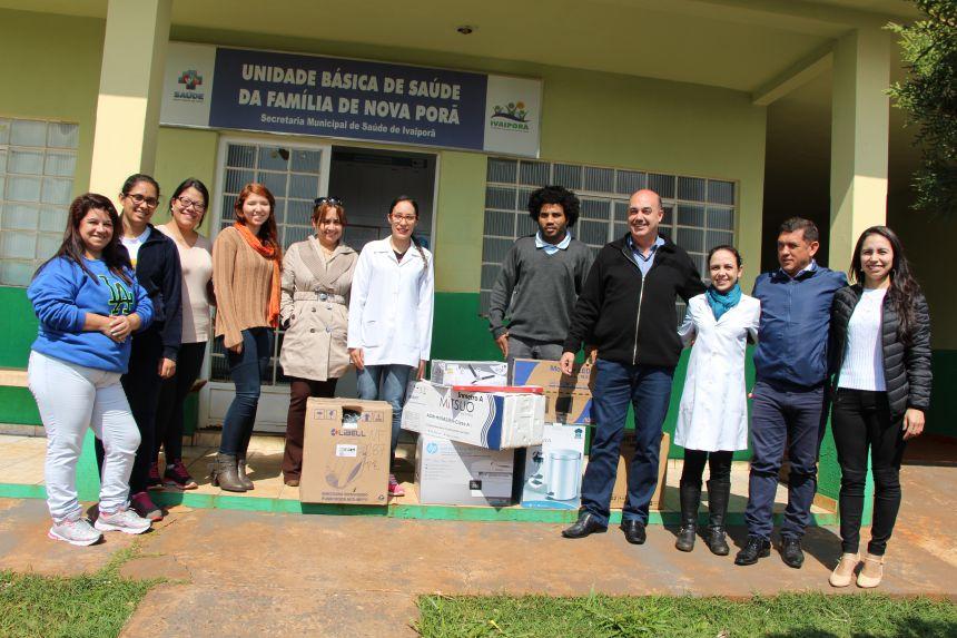 Miguel Amaral e Ilson Gagliano são recebidos pela equipe da Unidade Básica de Saúde da Vila Nova Porã e entregam equipamentos
