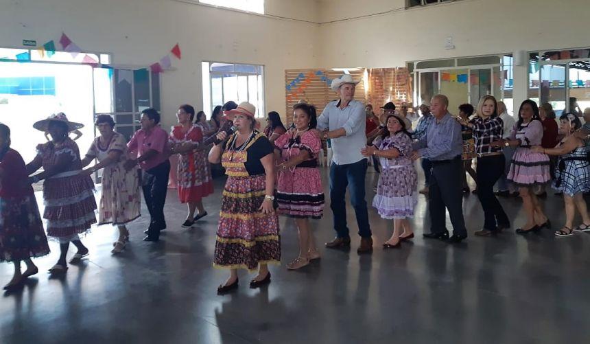 Prefeitura de Ivaiporã promove Festa Junina do Clube da Melhor Idade