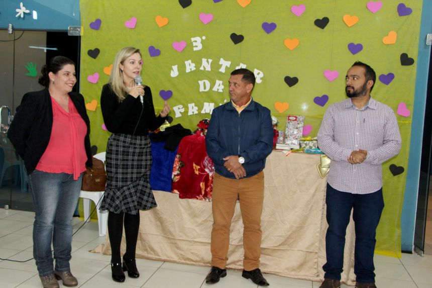 Flávia Kuss, Gertrudes Bernardy, Ilson Gagliano e Juliano Souza dão boas-vindas às famílias dos alunos