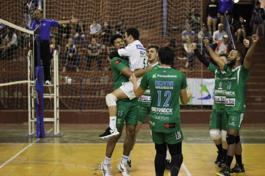Times de Foz do Iguaçu, Araucária e Cascavel decidem o título do voleibol