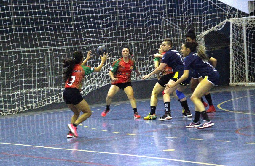 Equipe mais jovem dos Japs conquista título no feminino e vaga à divisão de elite