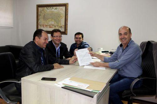 Luiz Jacovassi, Gilberto Taborda, Bruno Montoro e Miguel Amaral conversam sobre investimentos no município
