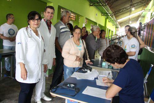Prefeitura realiza melhorias em áreas da cidade com programa Ivaiporã em Ação